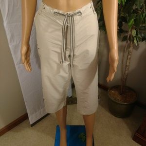 Columbia Sports Capris Khakis